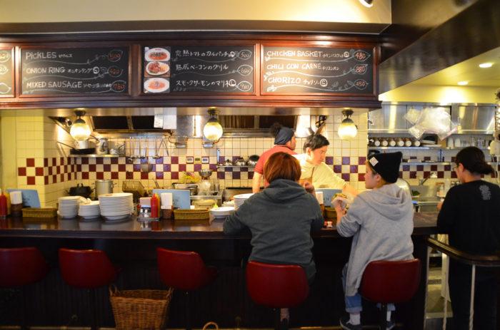 代官山の人気ハンバーガー店看板デザイン