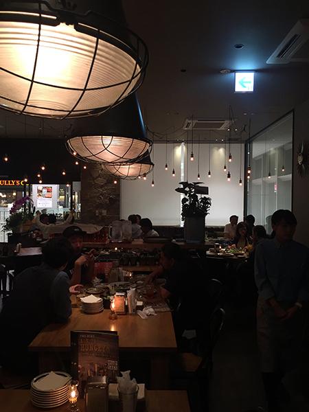 新百合ケ丘のカフェ店内